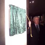 Pat Stanton unveils the Plaque